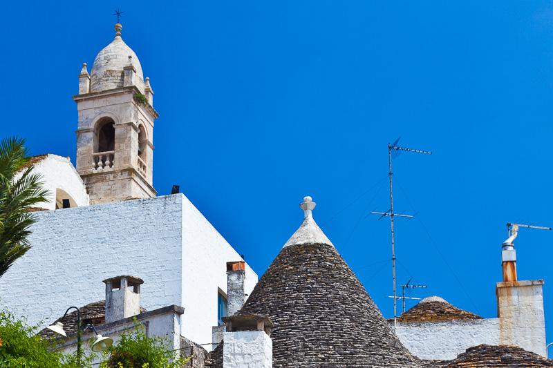 Il campanile della chiesa di Santa Lucia
