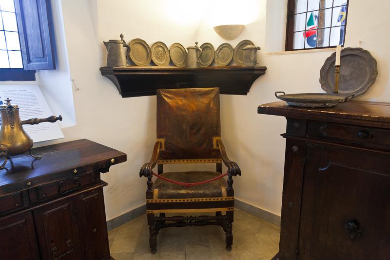 La poltrona in pelle di Villa San Michele