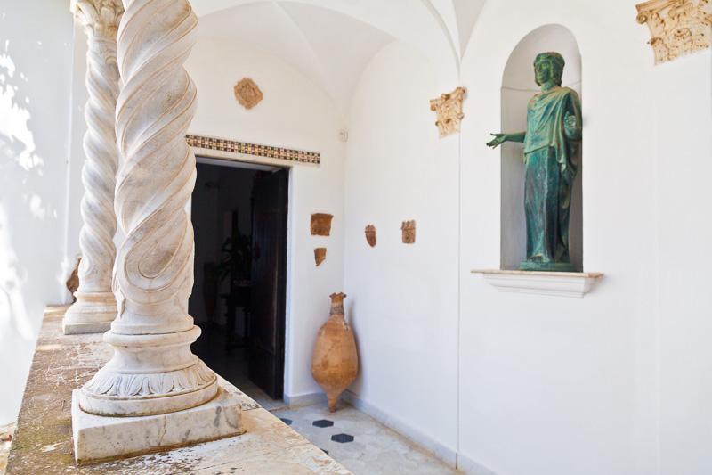 Le colonne tortini della loggia di Villa San Michele