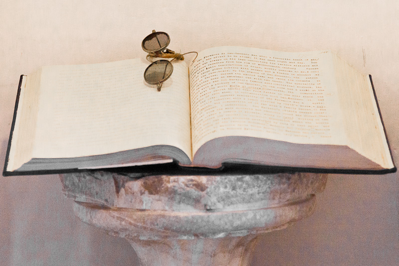 """Il libro """"La storia di San Michele"""" di Axel Munthe"""