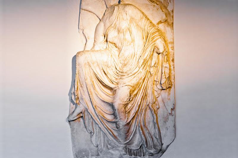 Una statua appesa al muro dello studio di Axel Munthe