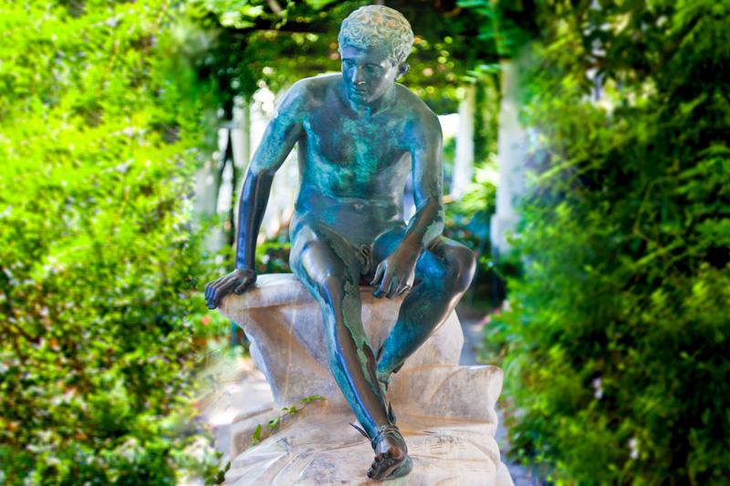La statua di Ermes (Mercurio) nella Villa San Michele