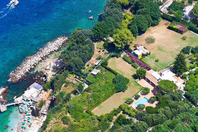 La costa dell'isola di Capri