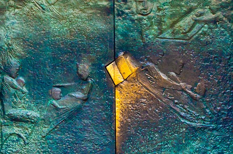 Il portale di ingresso del Duomo