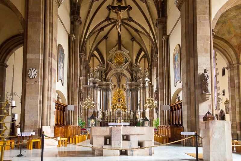 L'altare maggiore del Duomo