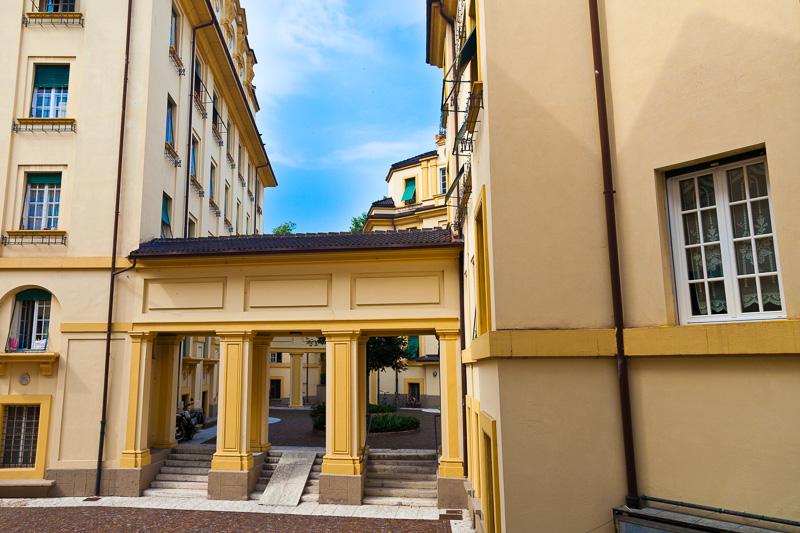 I portici di un antico palazzo