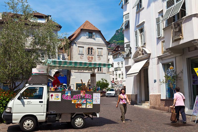 Un furgone che vende gelati