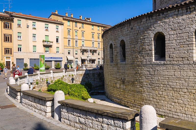 La base della rotonda del Duomo Vecchio