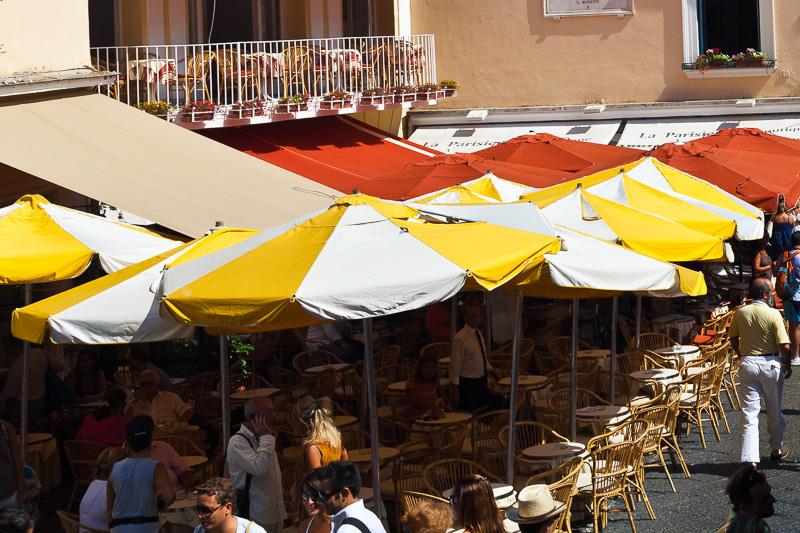 Ombrelloni in piazzetta