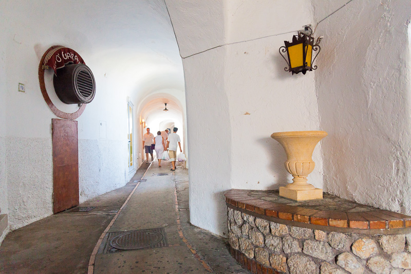 Portico di via Madre Serafina