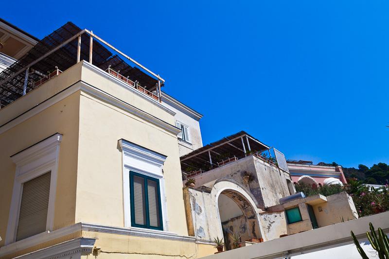 Edificio con terrazza