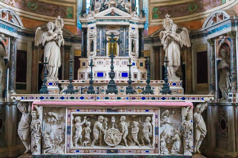 L'altare maggiore della Certosa