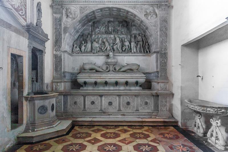 Il lavabo in marmo di Carrara