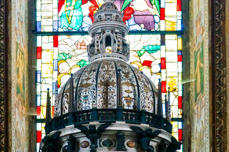La cupola del tabernacolo dell'altare maggiore