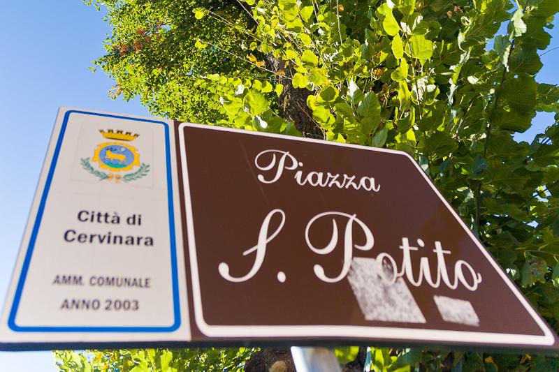 """Cartello stradale """"Piazza San Potito"""""""
