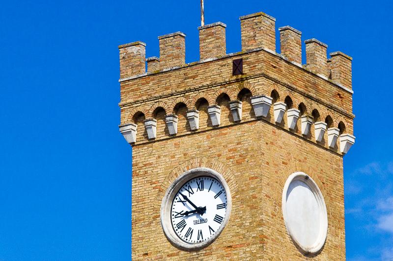 La torre della caserma Francesco Spinucci