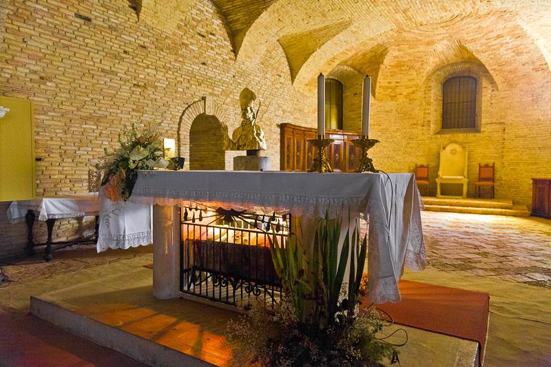 Cripta della cattedrale di San Giustino