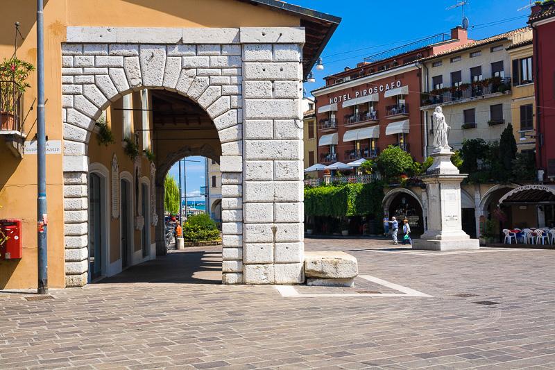 Piazza Malvezzi