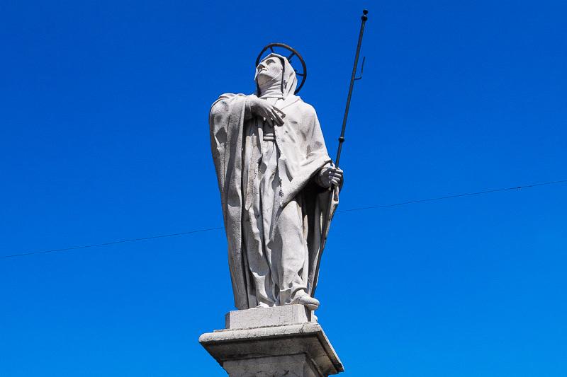 La statua di Sant'Angela Merici