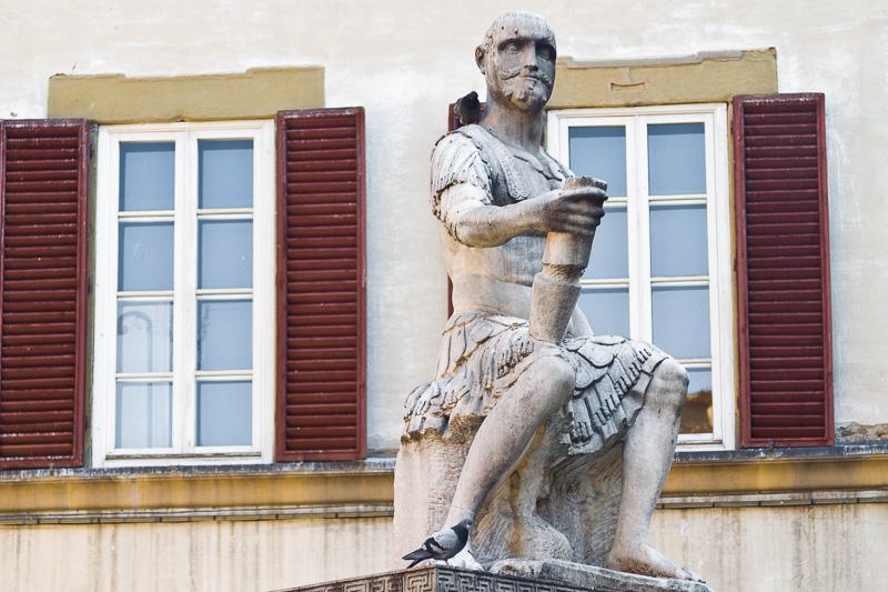 La statua di Giovanni delle Bande Nere