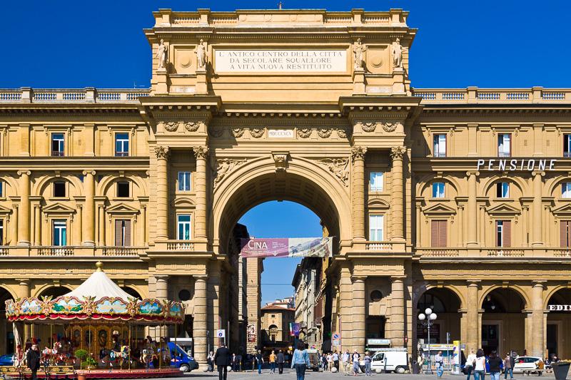 L'Arcone (Arco di Trionfo)