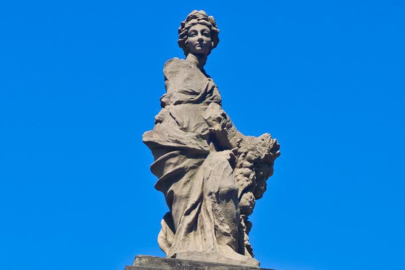 La statua della Dovizia