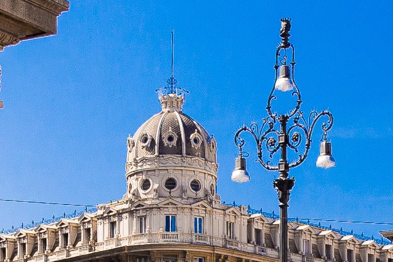 La cupola del Palazzo del Credito Italiano
