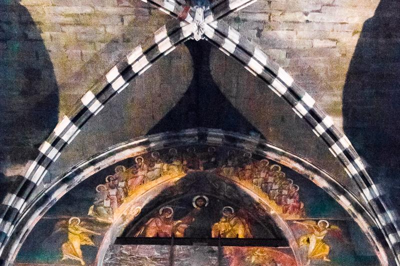 La lunetta interna del portale maggiore della cattedrale di San Lorenzo