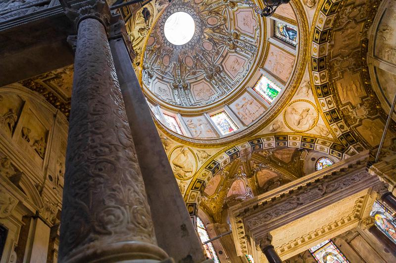 Il pilastro della cappella di San Giovanni Battist