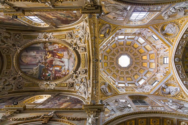 La volta della navata centrale della chiesa di San Matteo
