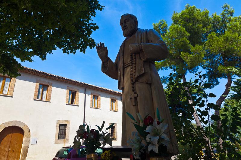 Statua del santo Padre Pio