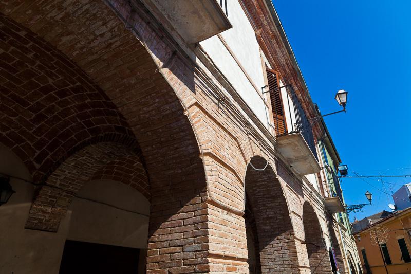 I portici di piazza XIV Maggio