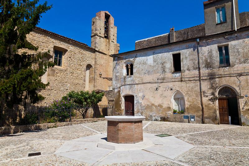 Il pozzo in via Giandomenico de Sanctis