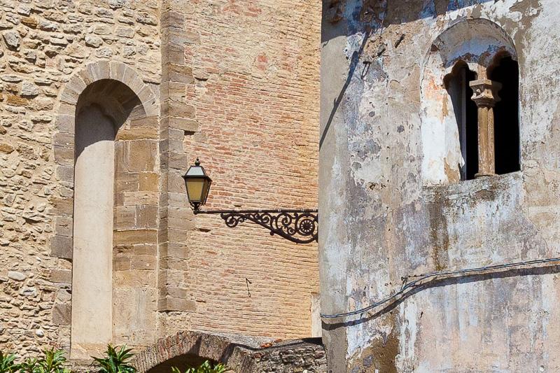 La facciata laterale della chiesa di Sant'Antonio di Padova