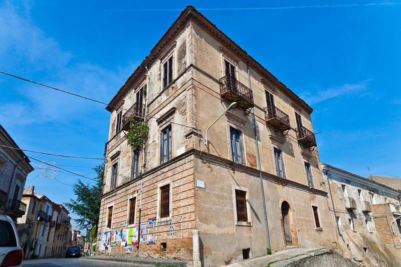 Un vecchissimo palazzo