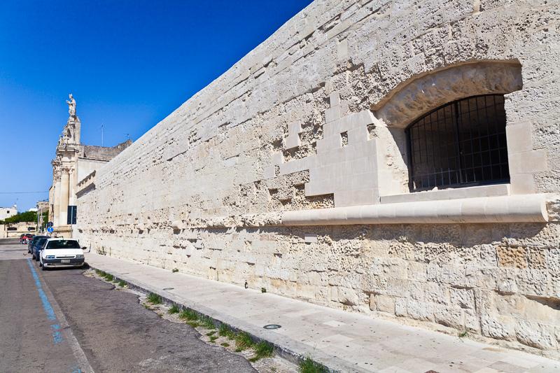 Le vecchie mura della città