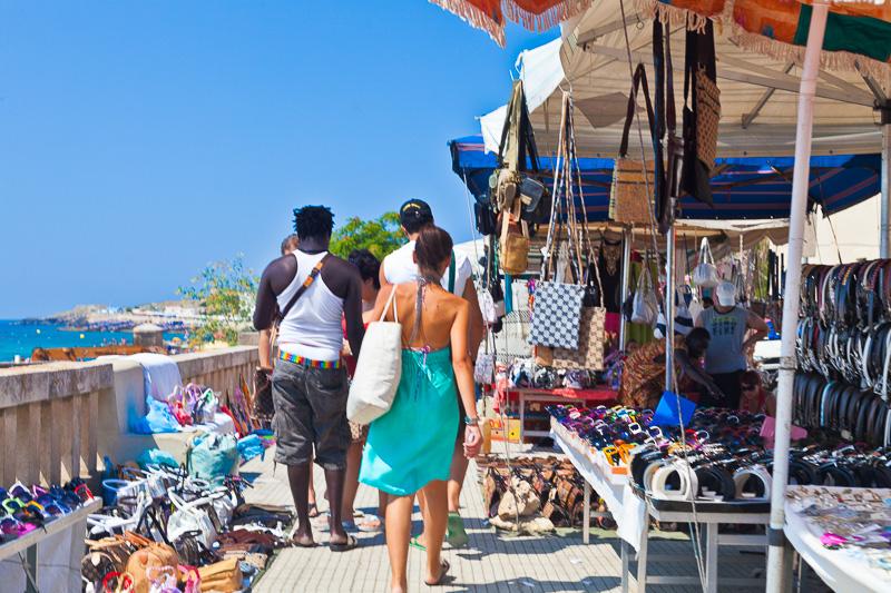 Bancarelle di venditori ambulanti