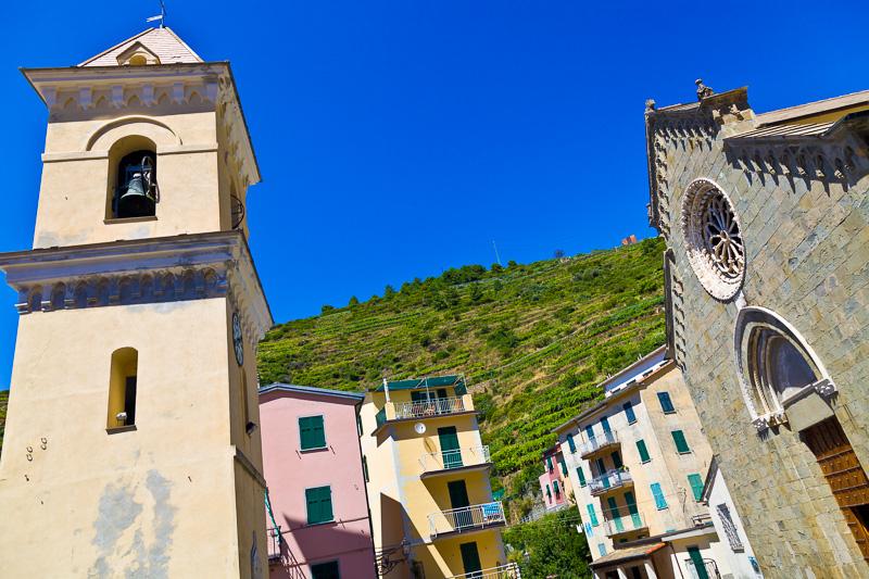Il campanile e la chiesa di San Lorenzo