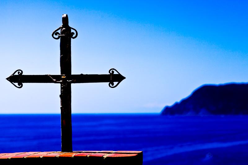 La silhouette di un crocifisso