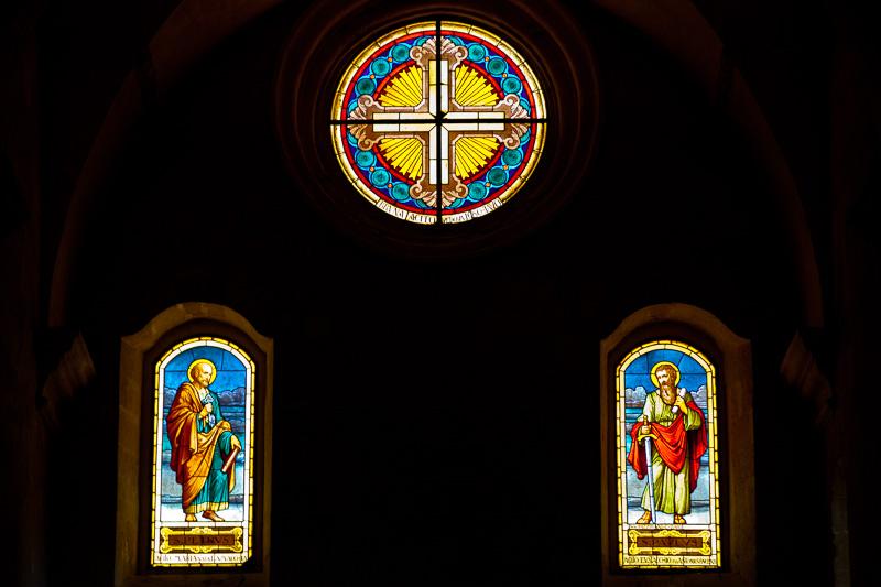 Rosone e vetrate della chiesa di San Pietro Caveoso