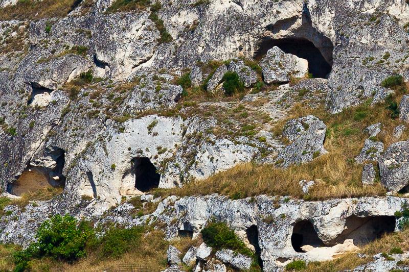 Grotte del villaggio preistorico