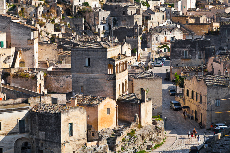 Case grotta nel Rione Civita