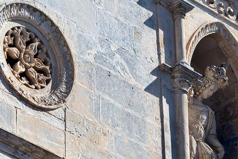 La statua di San Michele Arcangelo