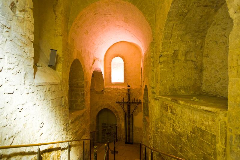 La scalinata del santuario di San Michele