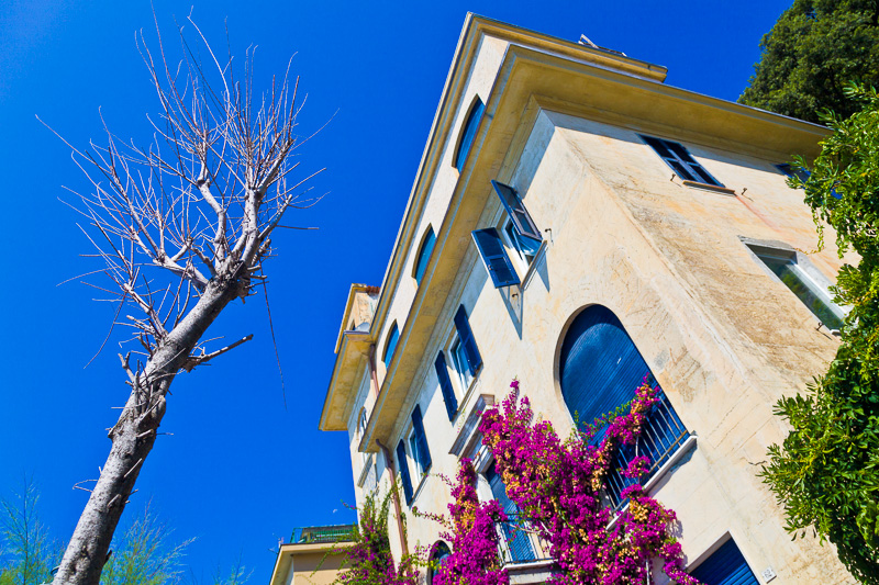 Un palazzo in via Fegina