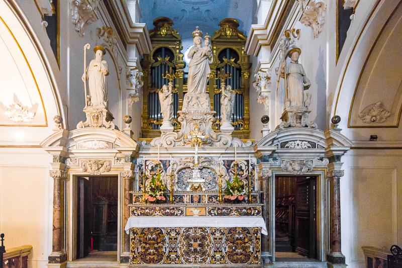 L'altare maggiore della Basilica antica