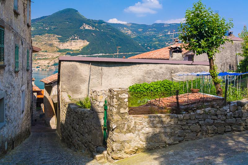 Uno scorcio del borgo di Siviano