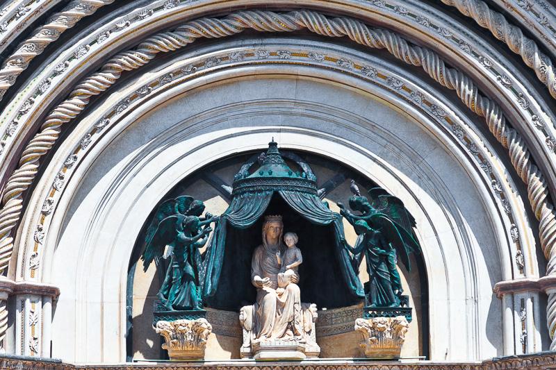 Lunetta del portale del Duomo