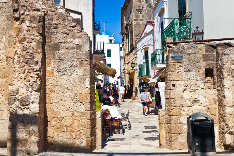 Le mura del castello Aragonese