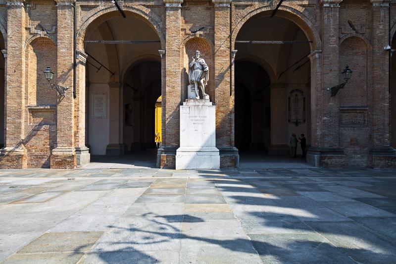 Il monumento ad Antonio Allegri da Correggio